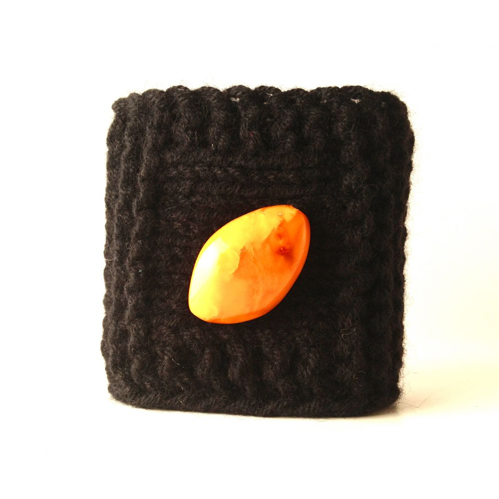Soft cashmere bracelet with big glossy amber