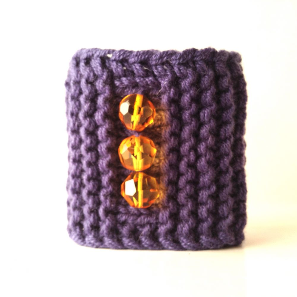 Soft cashmere bracelet with faceted amber