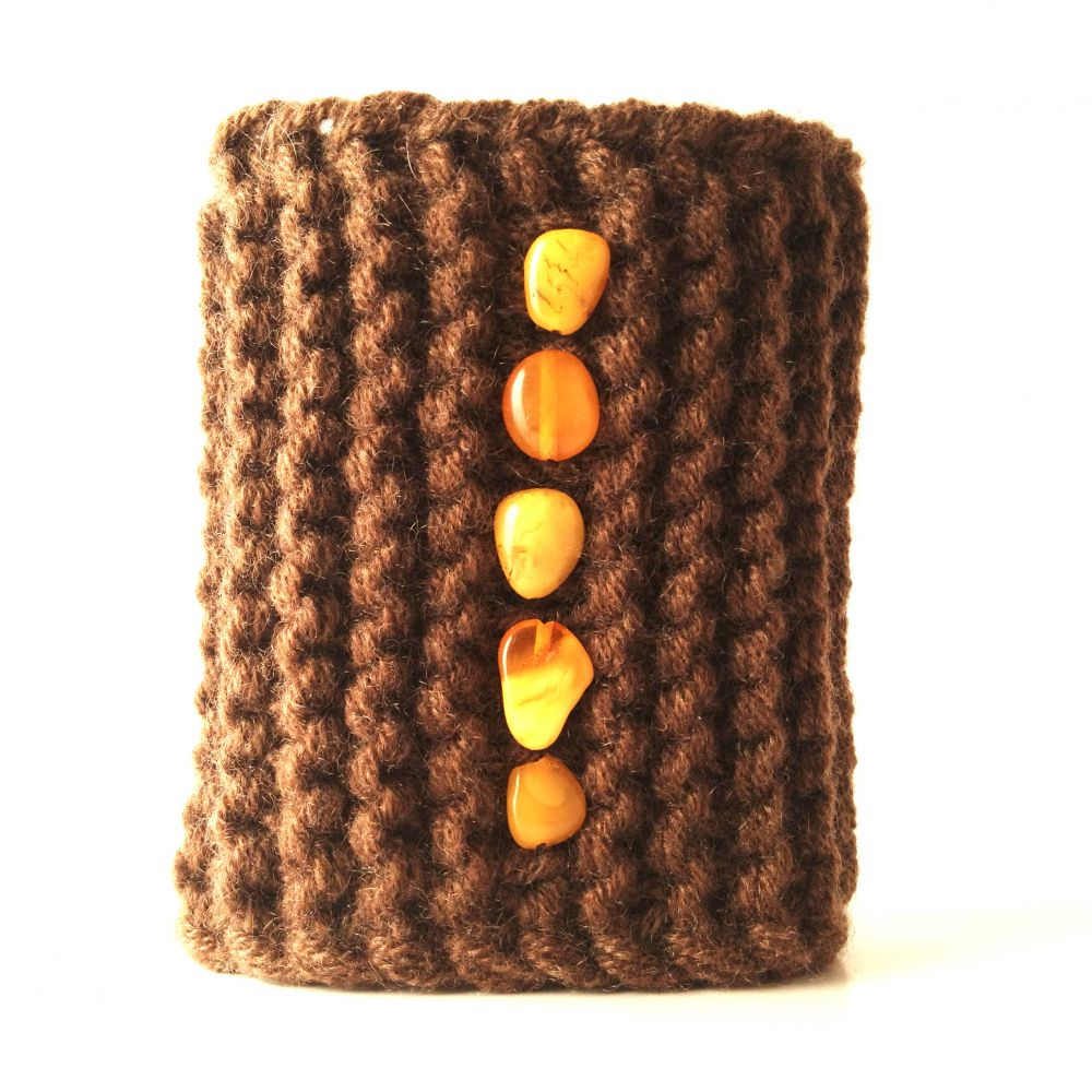 Soft cashmere bracelet with polished amber
